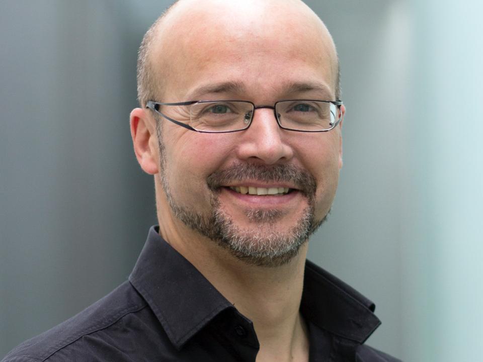 Dr. Geoff Martin